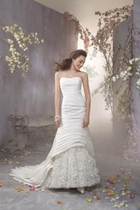 Wedding Bridal Gowns Alfred Angelo  Style 2365   Newmarket
