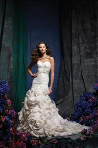 Newmarket Wedding Bridal Gowns Alfred Angelo  Style 870