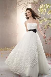 Wedding Bridal Gowns Alfred Angelo  Style 2369   Woodbridge